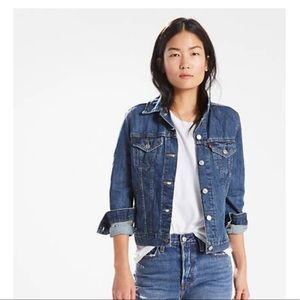 J. Crew 💯% cotton denim jacket, stonewashed color